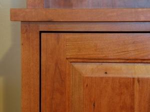American-Cherry-Bookshelf-Hutch-detail