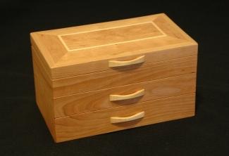 American-Cherry-Big-Leaf-Maple-Jewelry-Box-mitered