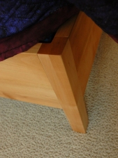 Pacific-Madrone-Quteen-Bed-Leg-Detail