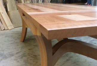 Pacific-Madrone-Dutch-Pull-Out-Extension-Table-extended-top-close-up