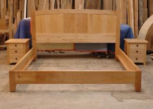 Three-Panel-Big-Leaf-Maple-Bedroom-Set